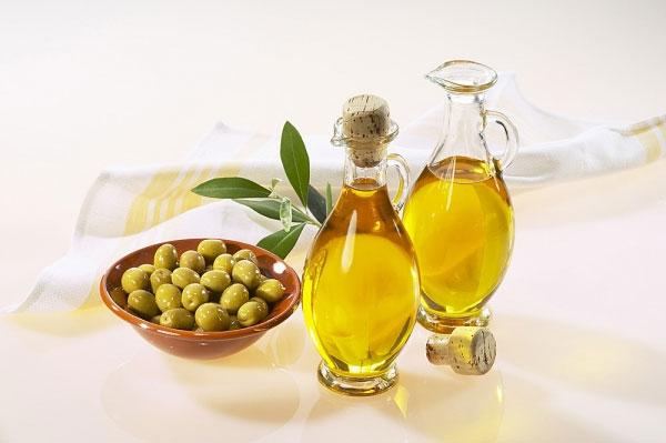 Khám Phá Cách Chăm Sóc Da Mặt Với Dầu Oliu