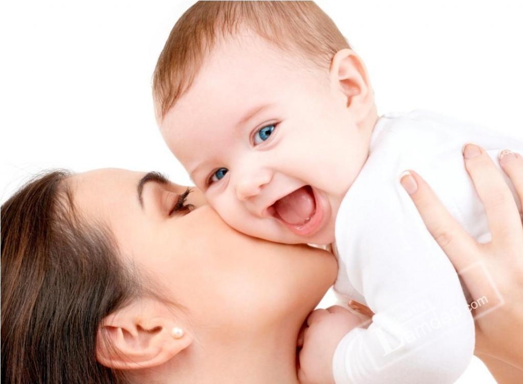sữa mẹ giàu omega 3