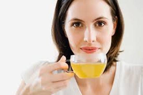 Giảm mỡ bắp tay bằng việc uống trà xanh mỗi ngày