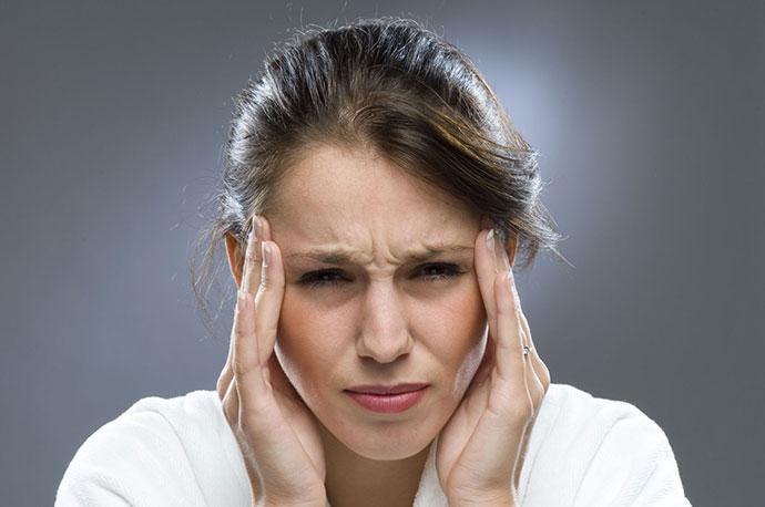 6 Bài Tập Yoga Căn Bản Giúp Bạn Chữa Cơn Đau Đầu Nhanh Chóng
