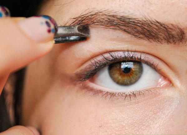 Hô Biến Mắt Nhỏ Trở Nên To Tròn Long Lanh Với 7 Bước Trang Điểm Hoàn Hảo