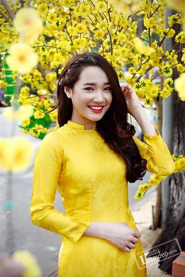 bien-tau-6-kieu-toc-xoan-dai-dep-danh-cho-ban-gai-di-choi-xuan-2017-7