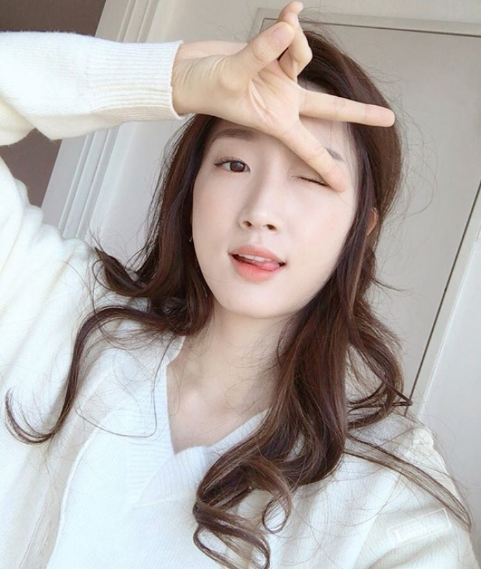 muon-trang-diem-dep-theo-dung-chuan-han-quoc-hay-theo-doi-5-co-nang-beauty-blogger-sau-6