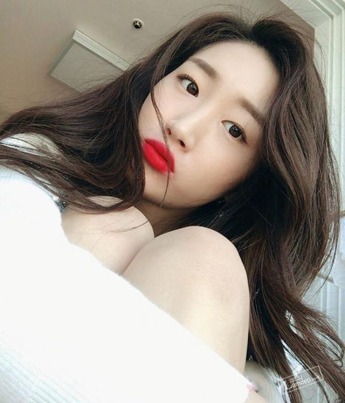 muon-trang-diem-dep-theo-dung-chuan-han-quoc-hay-theo-doi-5-co-nang-beauty-blogger-sau-7