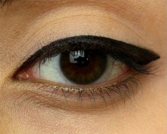 hoc-lom-cac-kieu-ve-eyeliner-han-quoc-hot-nhat-hien-nay-7
