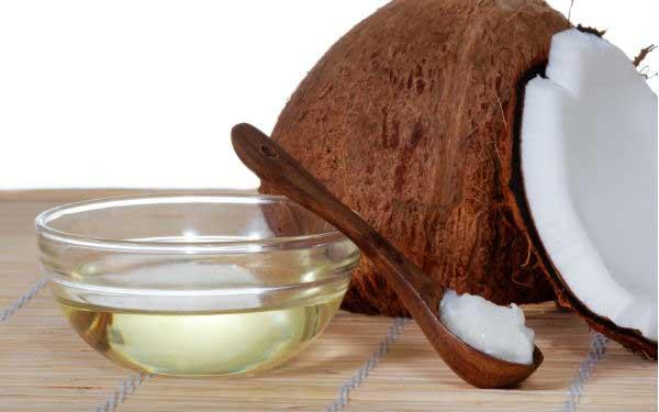 dầu dừa giúp giữ màu tóc nhuộm óng mượt